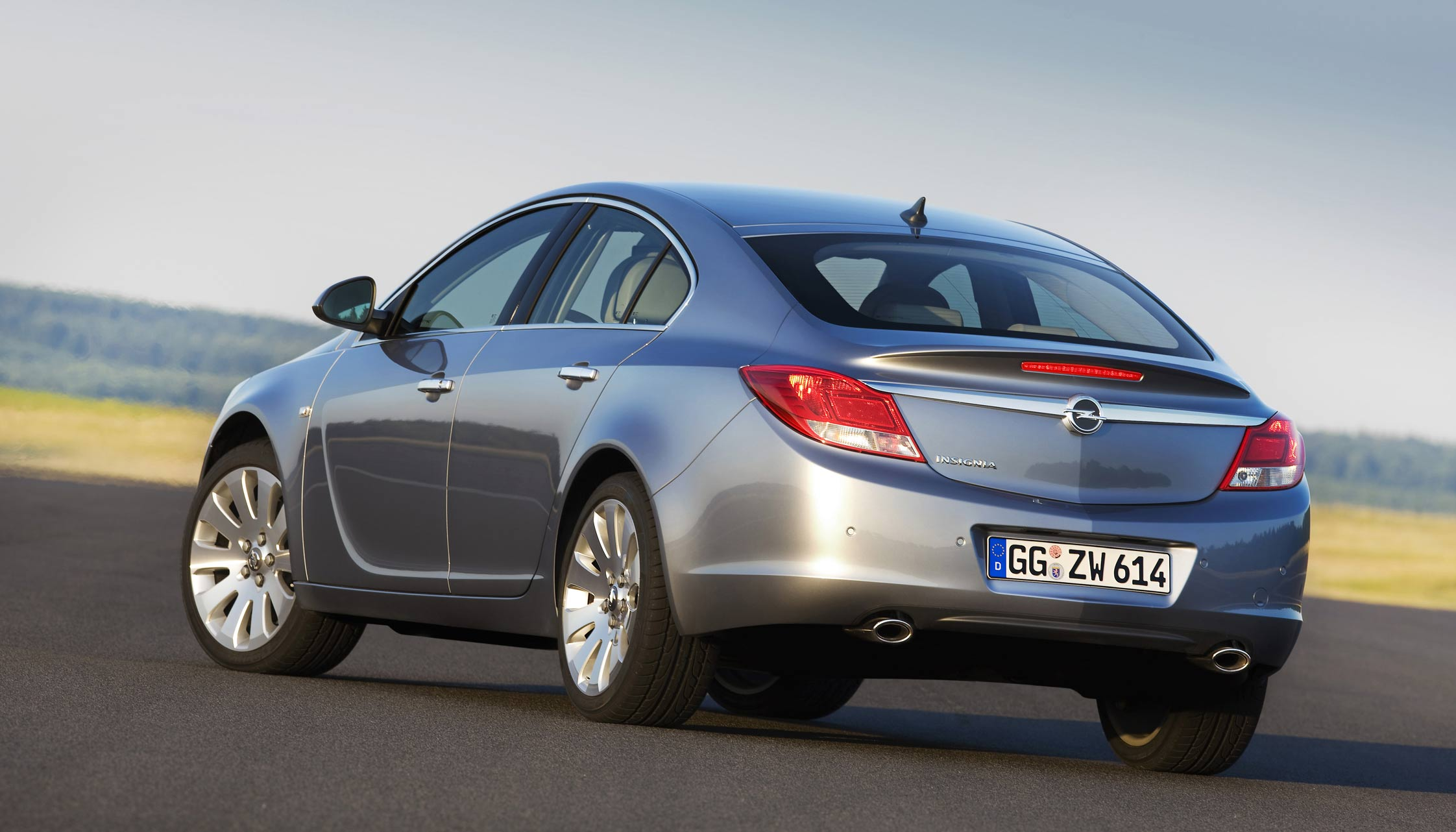 essai opel insignia motorlegend. Black Bedroom Furniture Sets. Home Design Ideas