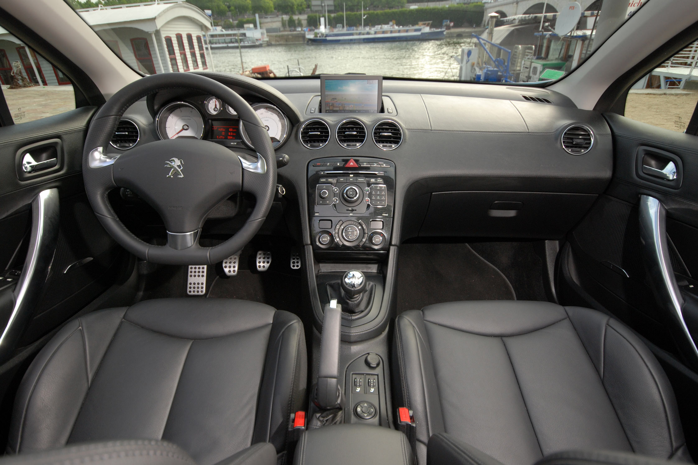 Essai peugeot 308 cc motorlegend for Interieur 308