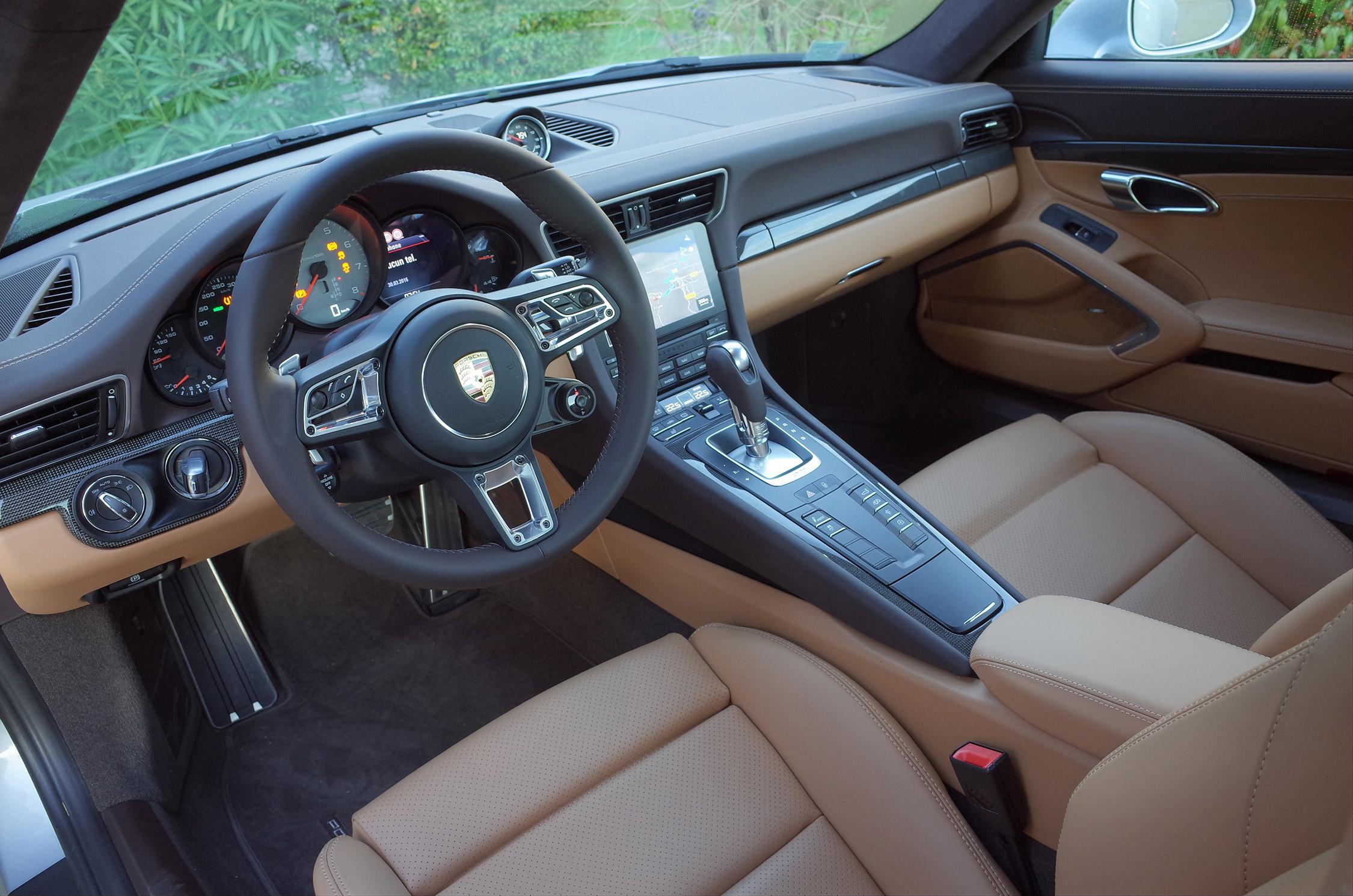 Essai porsche 911 991 carrera 4s 420 ch motorlegend for Porsche 996 interieur