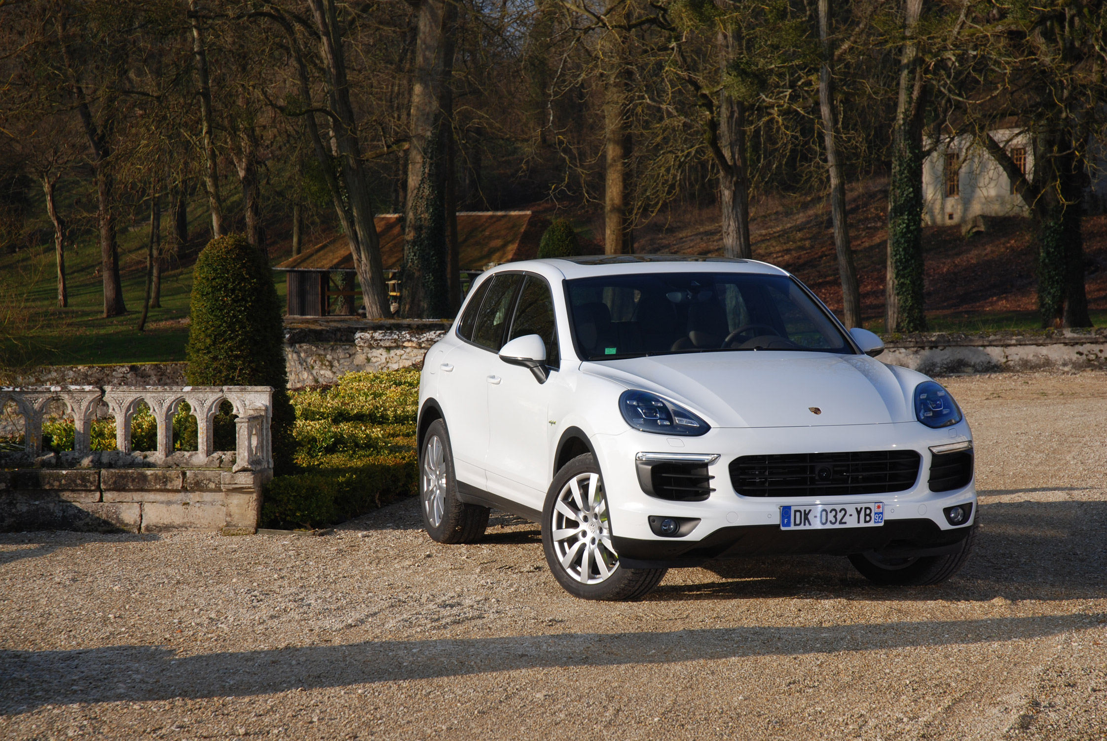essai porsche cayenne s e hybrid motorlegend. Black Bedroom Furniture Sets. Home Design Ideas