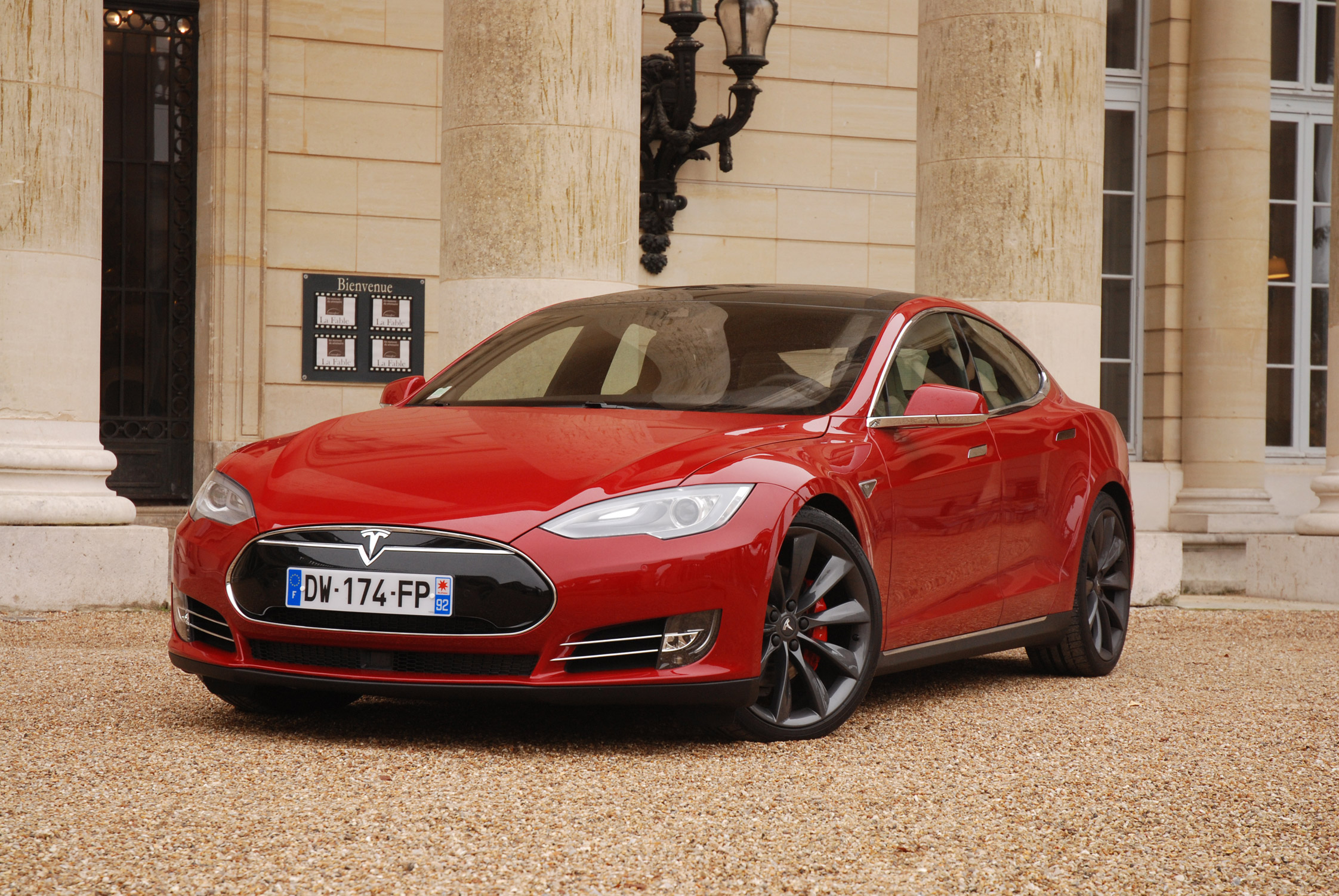 essai tesla model s p90d motorlegend. Black Bedroom Furniture Sets. Home Design Ideas