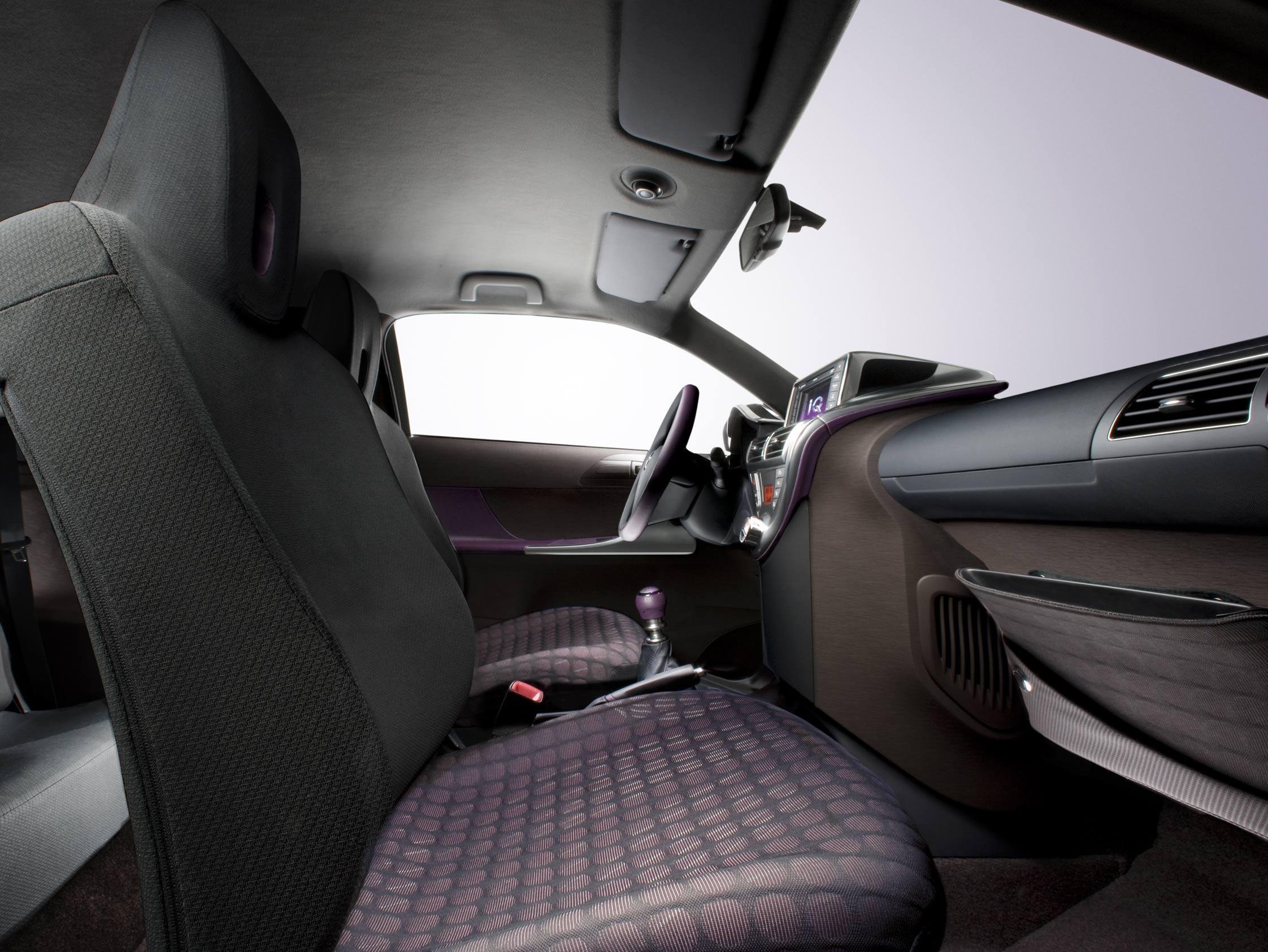 toyota iq mondial automobile 2008. Black Bedroom Furniture Sets. Home Design Ideas