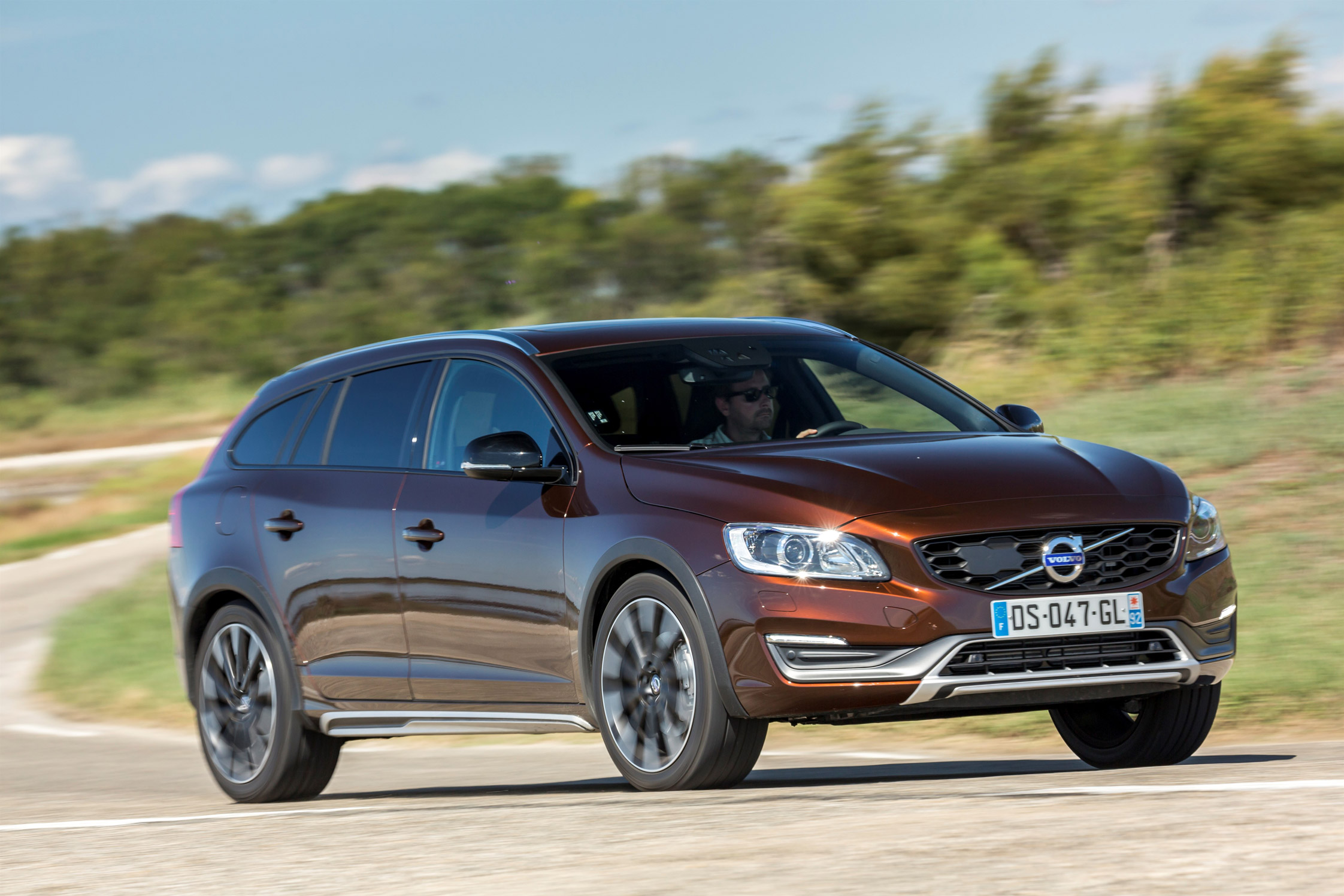 essai volvo v60 cross country motorlegend. Black Bedroom Furniture Sets. Home Design Ideas