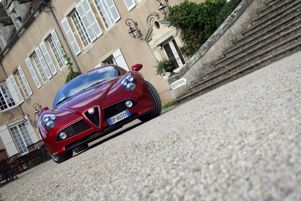 ALFA ROMEO 8C Competizione - Mondial de l'automobile 2006.com