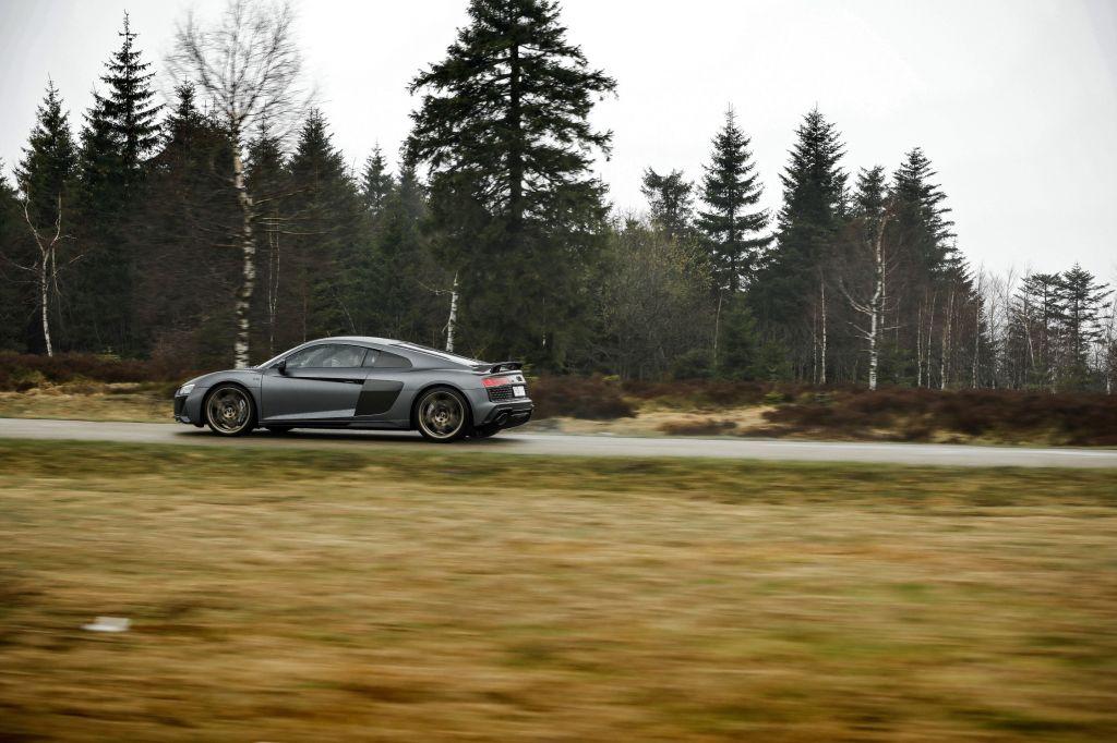 Essai AUDI R8 V10 Performance