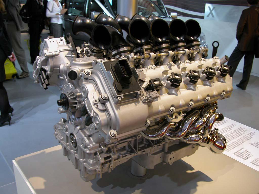 BMW M5 - Mondial de Paris 2004.com