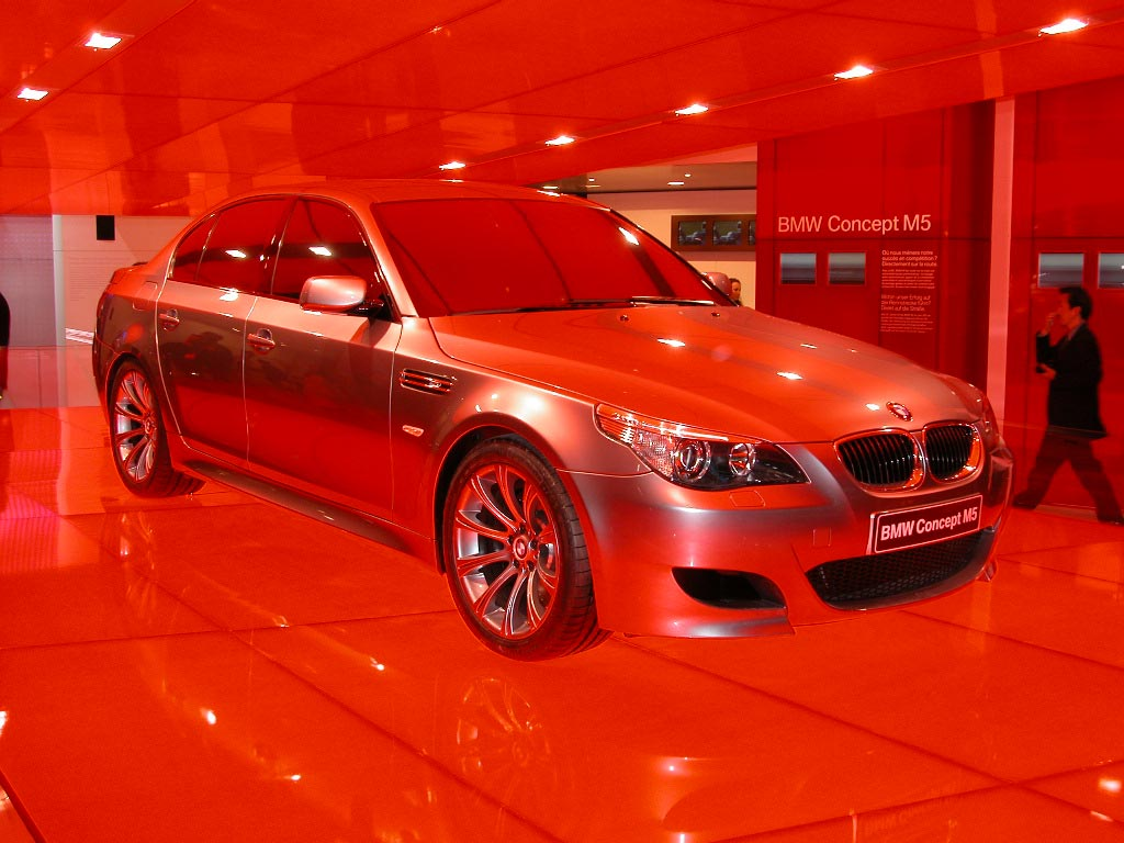 BMW M5 concept - Salon de Genève 2004.com