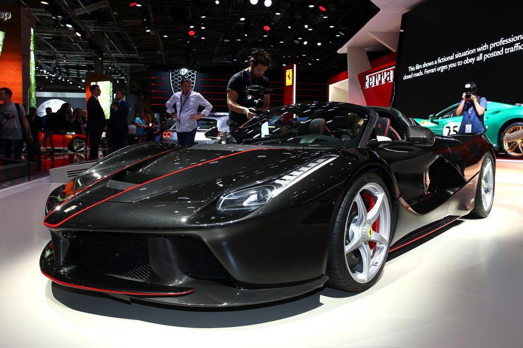FERRARI LaFerrari Aperta - Mondial de l'Automobile 2016.com