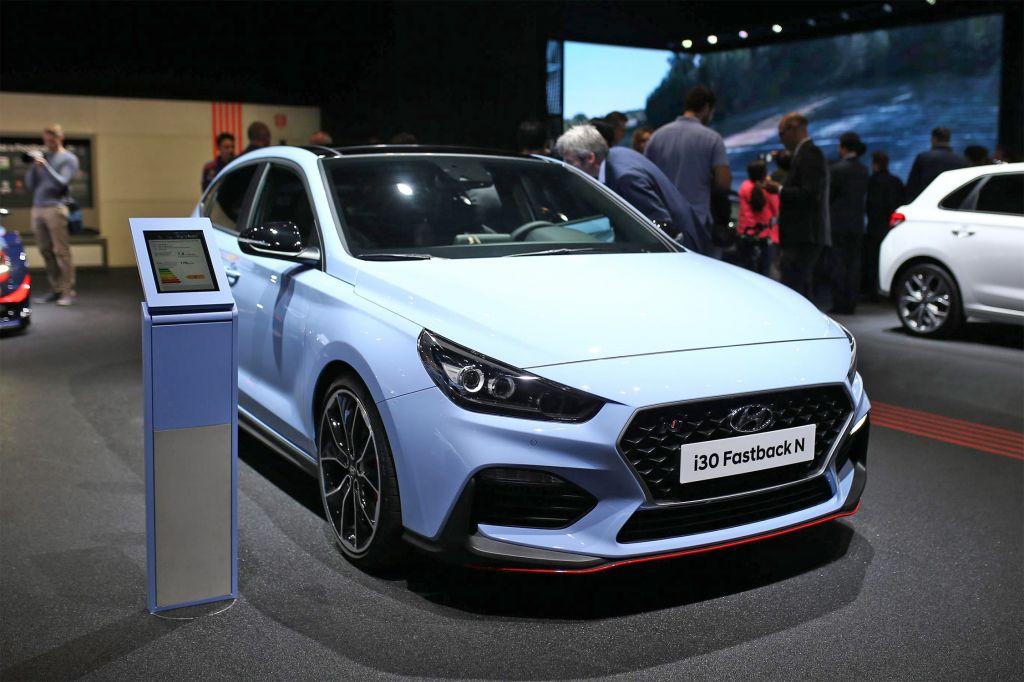 HYUNDAI i30 N Fastback - Mondial de l'Automobile 2018.com