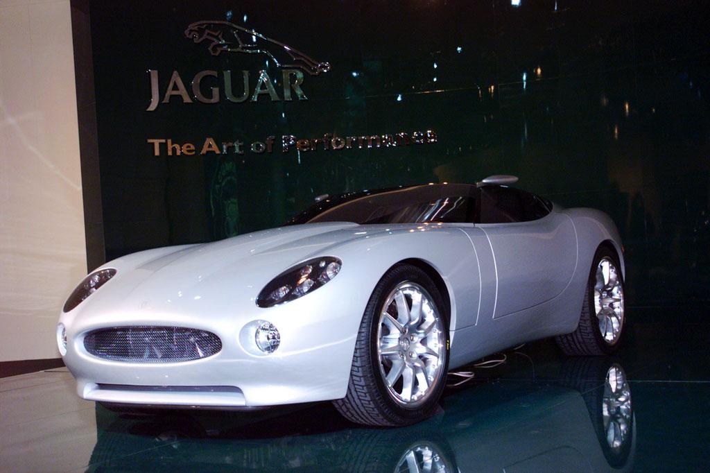 JAGUAR F-Type - Salon de Genève 2000 - Motorlegend.com