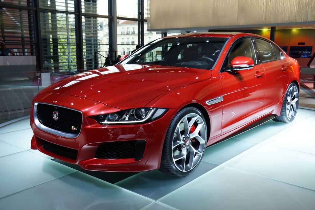 JAGUAR XE - Mondial de l'Automobile 2014.com