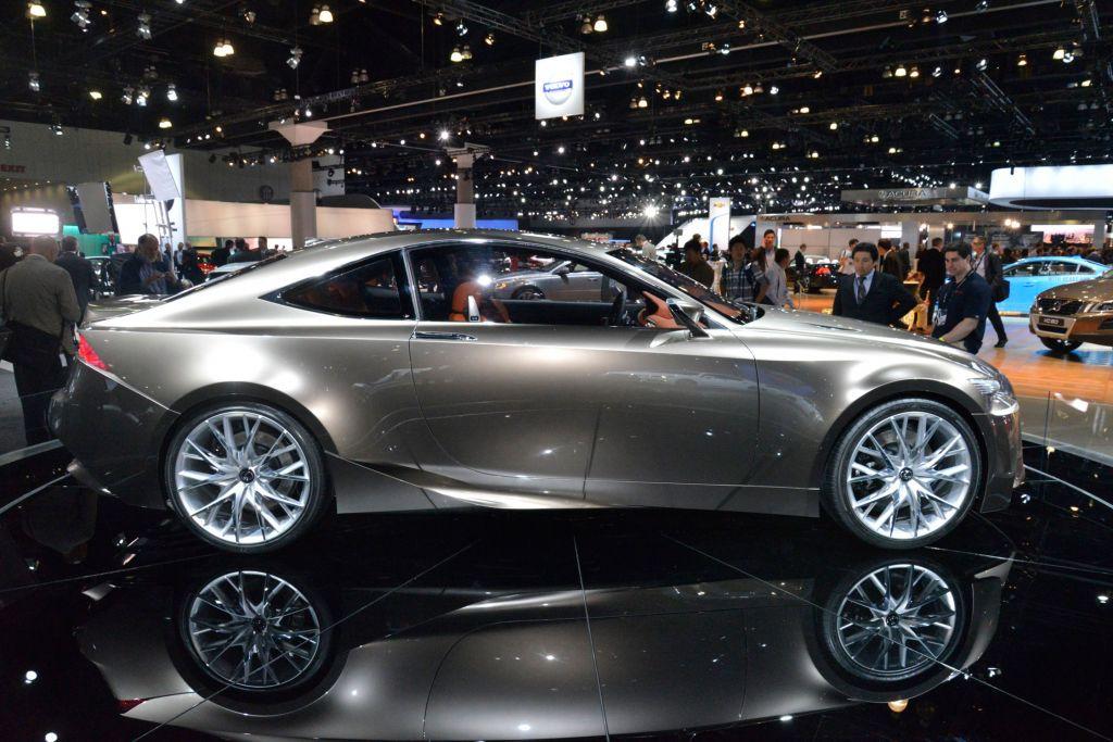 LEXUS LF-CC - Mondial de l'Automobile 2012.com