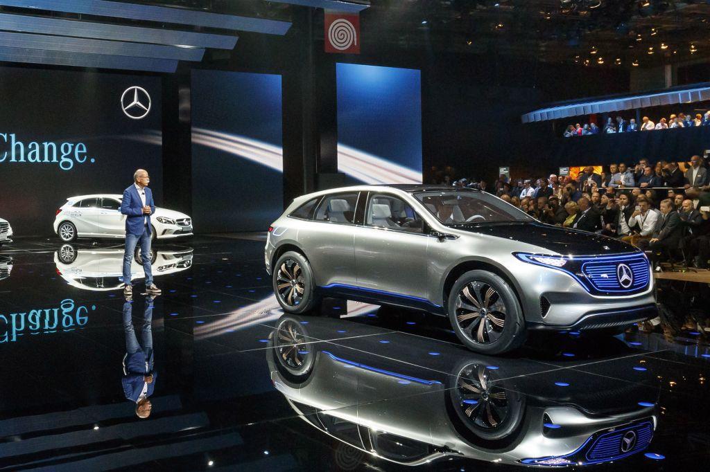 MERCEDES Generation EQ - Mondial de l'Automobile 2016.com