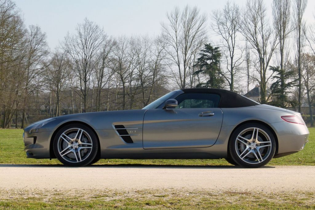 MERCEDES SLS AMG Roadster - Salon de Francfort 2011.com