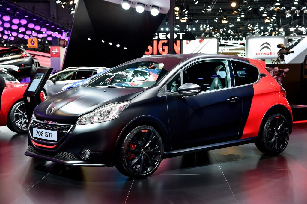 PEUGEOT 208 GTI 30th - Mondial de l'Automobile 2014.com