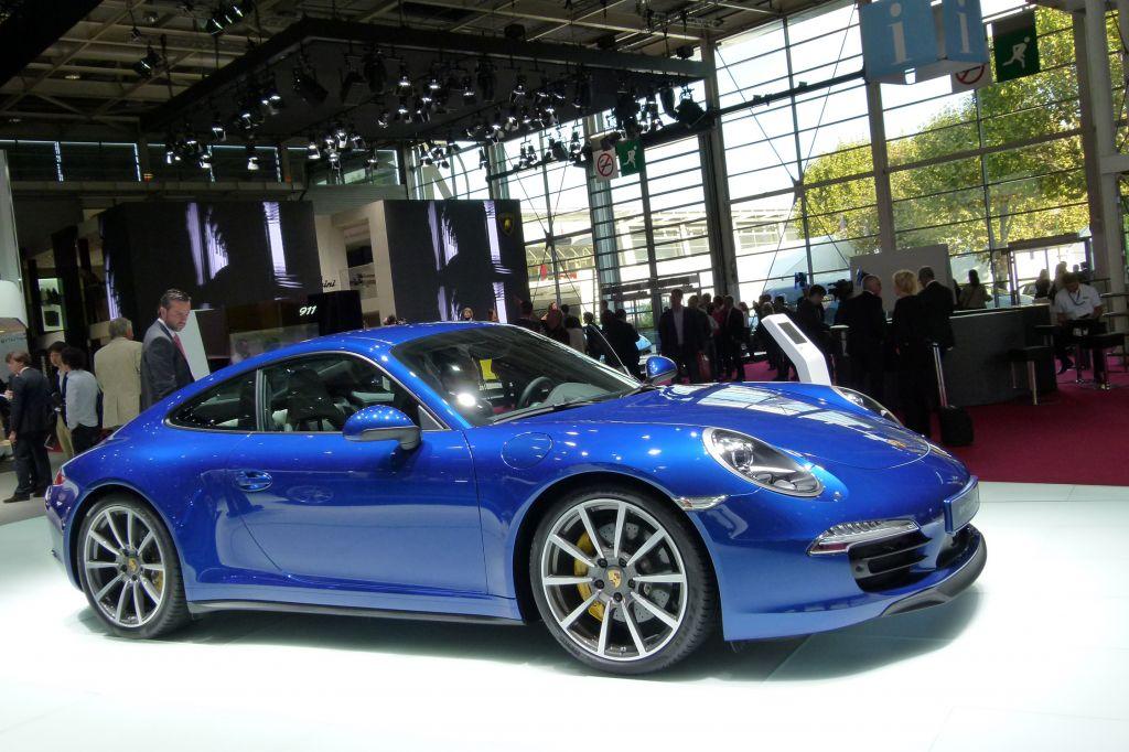 PORSCHE 911 (991) Carrera 4 - Mondial de l'Automobile 2012.com