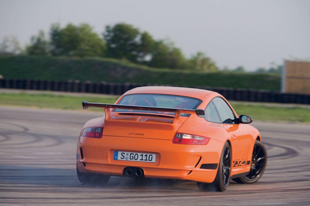 PORSCHE 911 GT3 RS - Mondial de l'automobile 2006.com