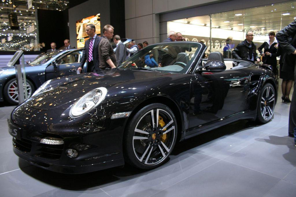 PORSCHE 911 Turbo S - Salon de Genève 2010.com
