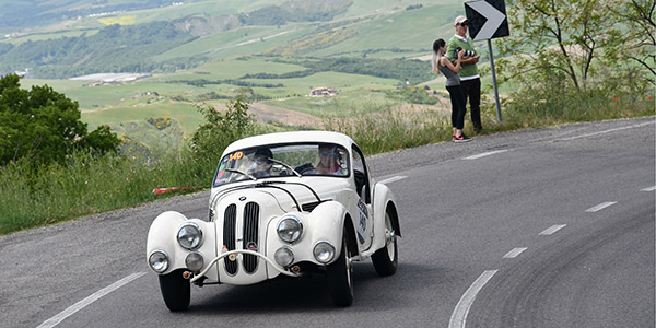 Mille Miglia : un musée automobile roulant - Diaporama de 21 photos.com