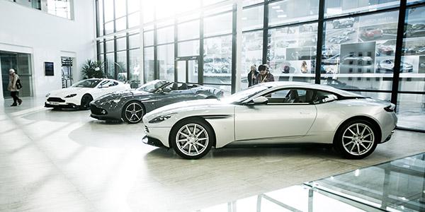 ASTON MARTIN Visite de l'usine Aston Martin à Gaydon - Diaporama de 16 photos.com