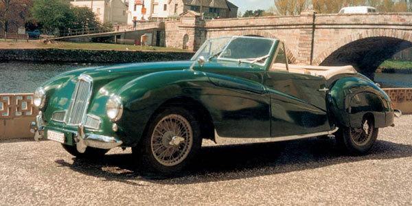 Historique Aston Martin après-guerre - Histoire - Page 1.com