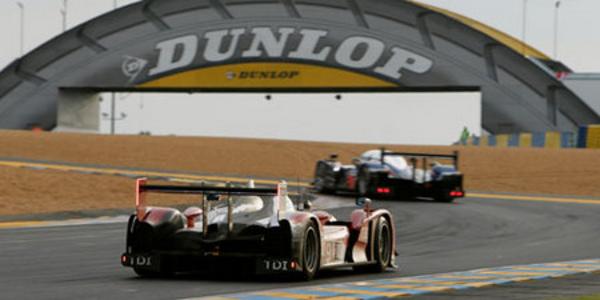 10h - 12h : l'espoir renaît chez Peugeot - 24 Heures du Mans 2010  Reportage.com
