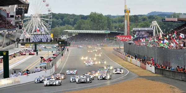 15h - 20h : Peugeot mène et Audi a perdu une voiture - 24 Heures du Mans 2011  Reportage.com