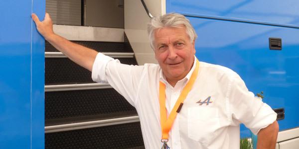 Interview de Bernard Ollivier, PDG d'Alpine - 24 Heures du Mans 2014  Interview.com