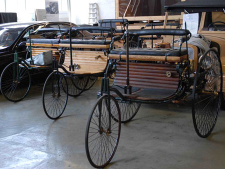 Répliques du tricycle de Karl Benz de1886
