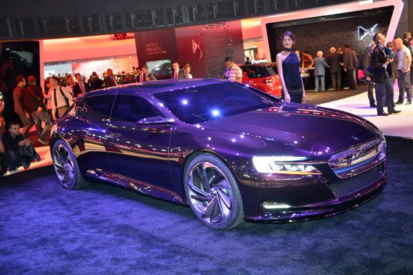 Video Lexus LF-CC