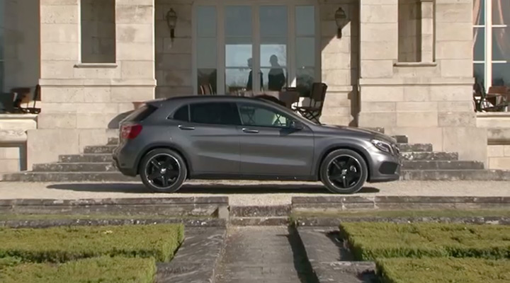 video mercedes gla 220 cdi sur motorlegend. Black Bedroom Furniture Sets. Home Design Ideas