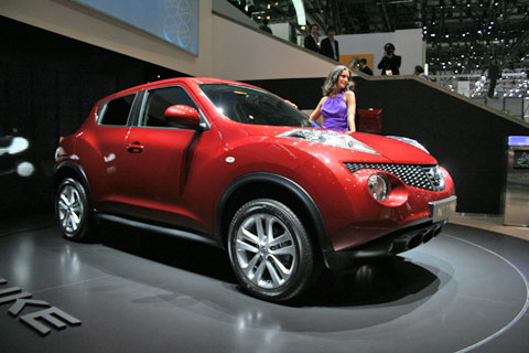 video nissan juke au salon de gen ve 2010 sur motorlegend. Black Bedroom Furniture Sets. Home Design Ideas
