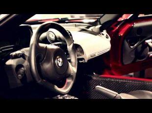 Vidéo Alfa Romeo 4C Launch Edition - Livraison à Balocco - Essai