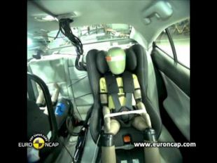 Euro NCAP Crash test de la Lexus IS 300h 2013