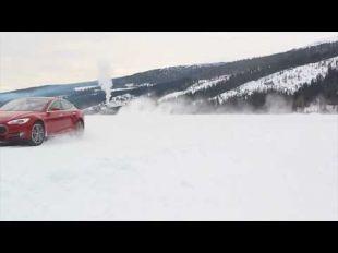 Vidéo Tesla Model S sur la route - Essai