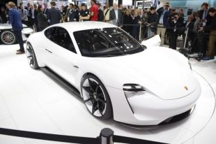 Salon : Porsche Mission E concept