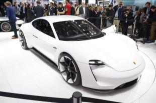 Salon : Porsche Mission E concept