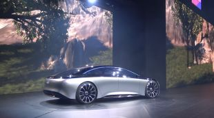 Salon : Mercedes Vision EQS