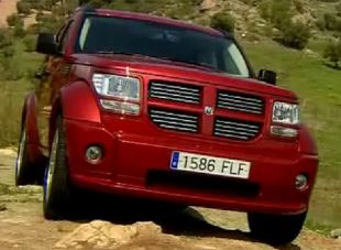 dodge nitro avis actualit annonces essai guide d 39 achat vid o photo motorlegend. Black Bedroom Furniture Sets. Home Design Ideas