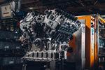 Le W12 de la première Bentley Mulliner Bacalar est assemblé