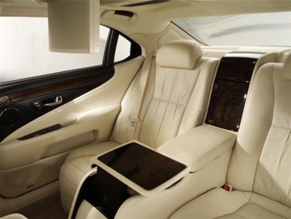 lexus ls 600h l 39 hybride dans les hautes sph res actualit automobile motorlegend. Black Bedroom Furniture Sets. Home Design Ideas