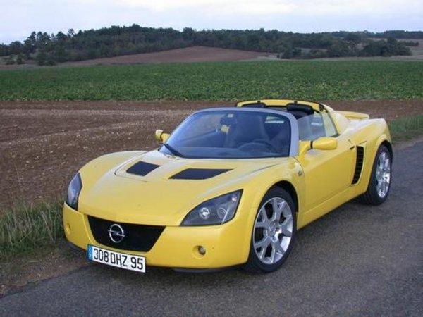 l 39 opel speedster turbo lue sportive de l 39 ann e 2003 actualit automobile motorlegend. Black Bedroom Furniture Sets. Home Design Ideas