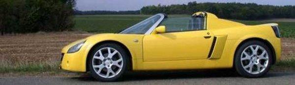 L'Opel Speedster Turbo élue sportive de l'année 2003
