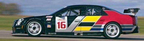 Cadillac de nouveau sur les circuits en 2004