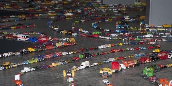 Record de la plus longue file de voitures miniatures