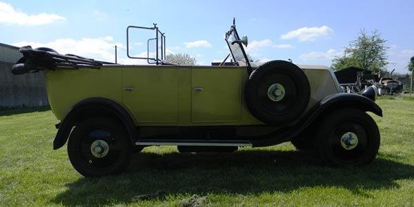 Une Renault ex-Indiana Jones aux enchères