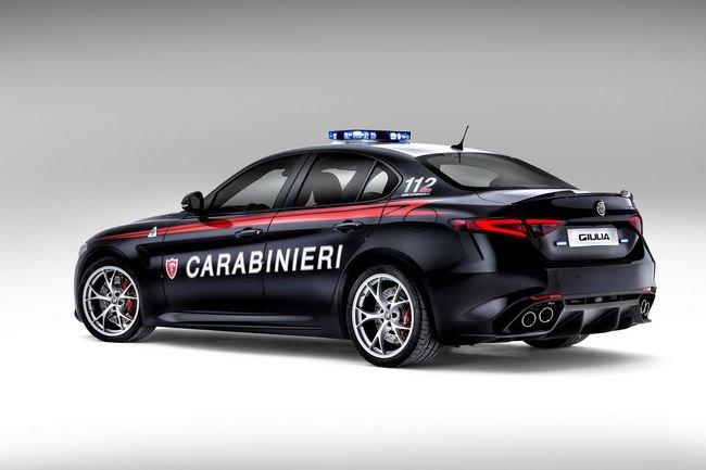 Les Carabinieri roulent en Alfa Romeo Giulia QV