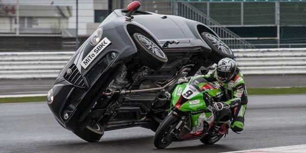 La Mito SBK fête le Superbike en cascade
