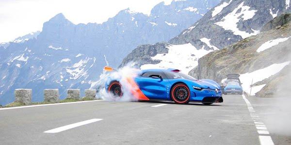 L'Alpine A110-50 Concept dans les Alpes