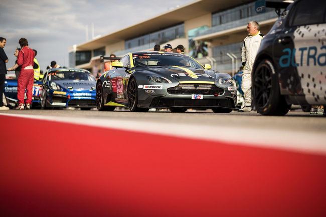 Le CEO d'Aston Martin s'illustre en piste